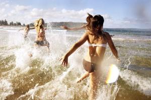 beach,happen,moment,happy,see,summer-3633f557db54f9f64c76441decde8bd7_h