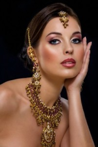 Woman with nice Indian makeup.