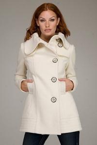 С какво да носим късо палто? Обувки, ботуши и дрехи, подходящи за късо плато