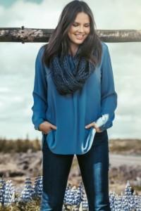 blusa-azzurra-elena-miro