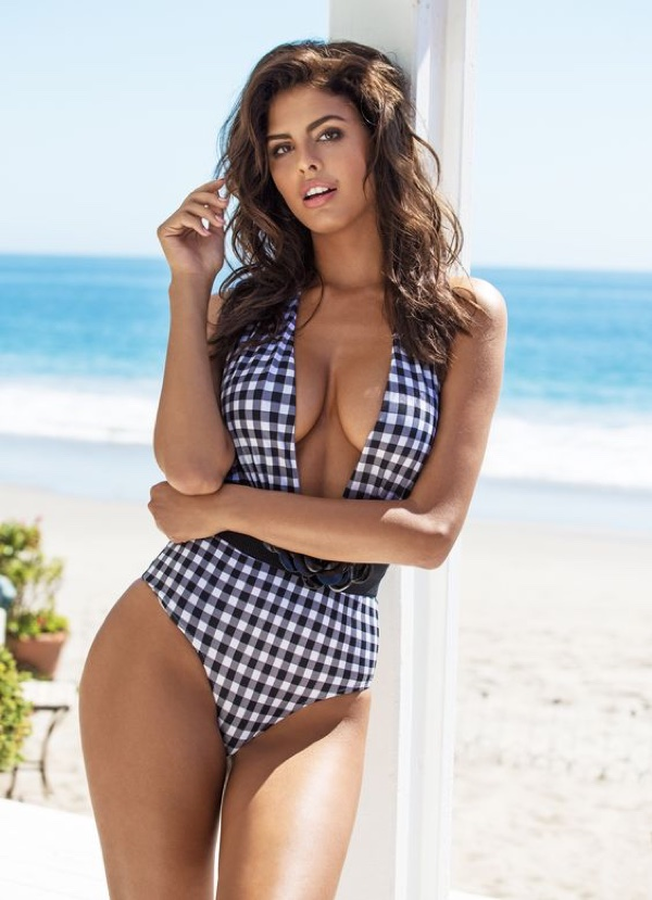 Guess-Swimsuit-2016-Campaign-Photos07