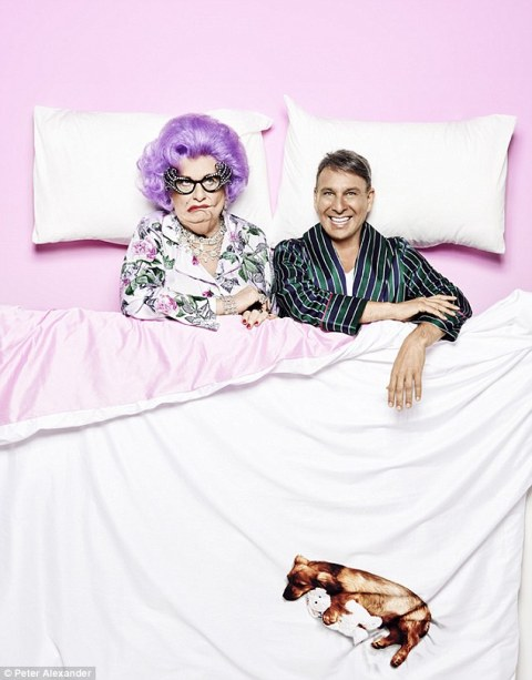 339BA79E00000578-3562923-One_of_a_kind_Alexander_said_that_Dame_Edna_was_the_right_pick_f-a-7_1461828100922
